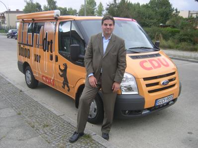Heiko Melzer mit dem Union-Vor-Ort-Mobil unterwegs im Wahlkreis